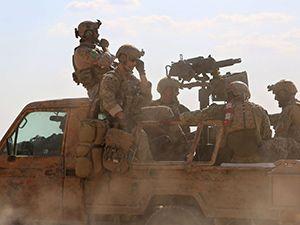 ABD askerleri YPG/PKK üniformasıyla Rakka operasyonlarına katılıyor