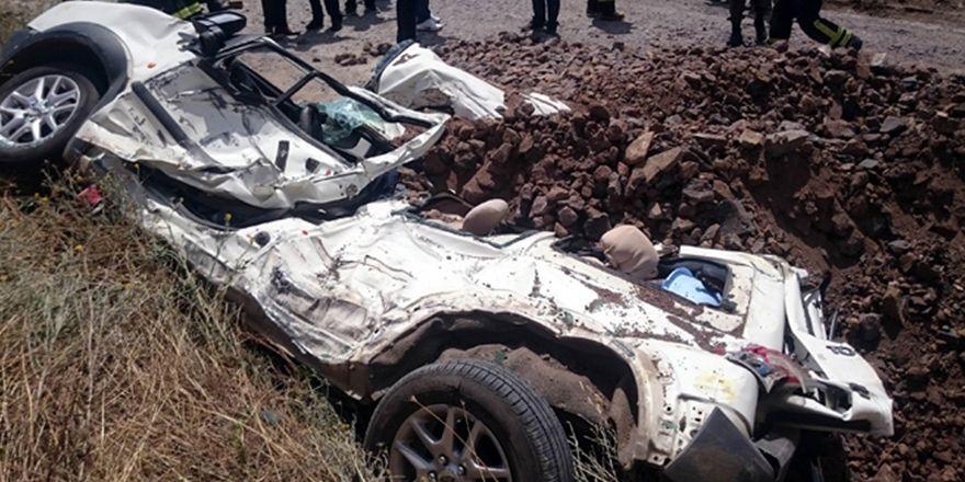 Tekirdağ Çorlu'da hafriyat kamyonu devrildi