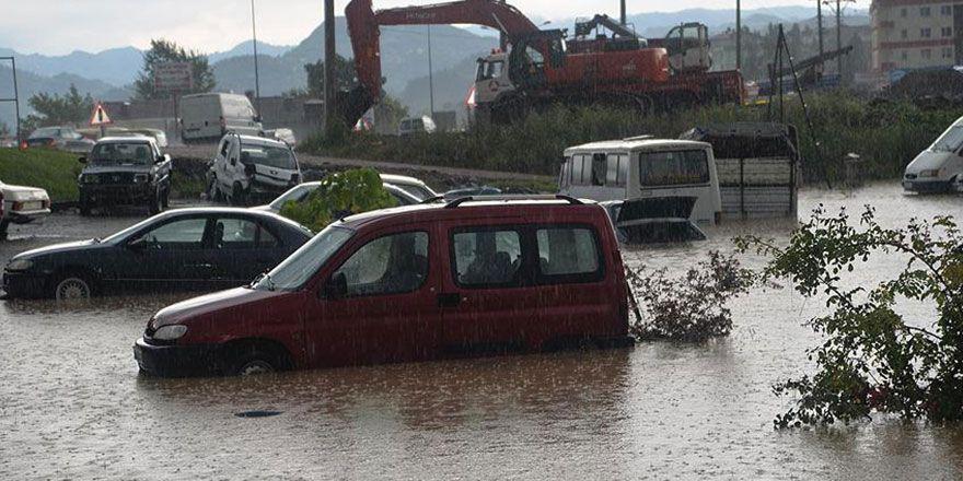 Ordu'da sel ve heyelanda bazı ev ve köprüler yıkıldı