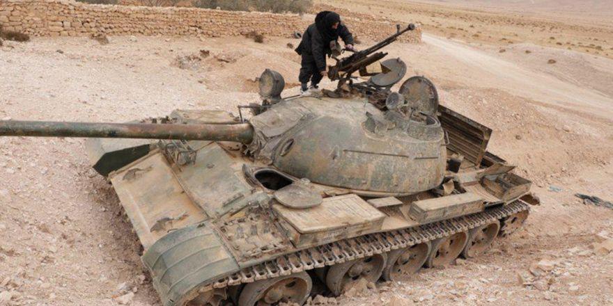 Çatışmaların şiddetlendiği Humus'tan görüntüler