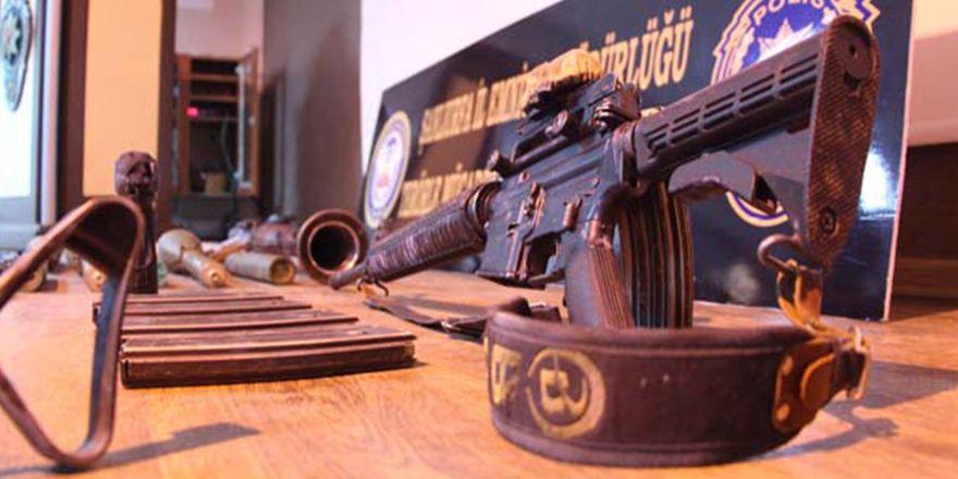 Viranşehir'de çatışma yaşanan evde cephanelik bulundu