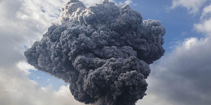 Meksika'da volkan/yanardağ patlamasının görüntüleri