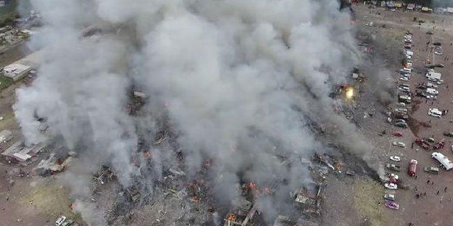 Meksika'da havai fişek mağazasında patlama oldu