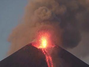 Momotombo Yanardağı'ndan muhteşem görüntüler
