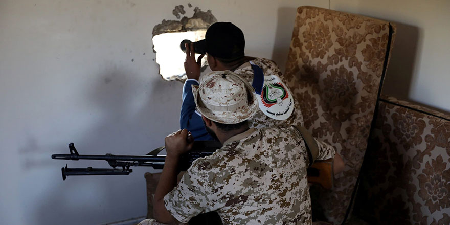 Hafter milisleri Trablus'a giden yolları ele geçirdi