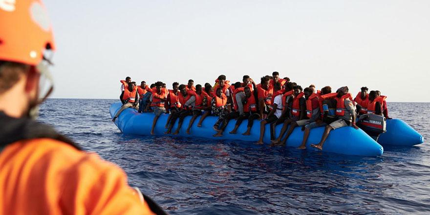 Libya'dan kaçan bin kişi geri gönderildi