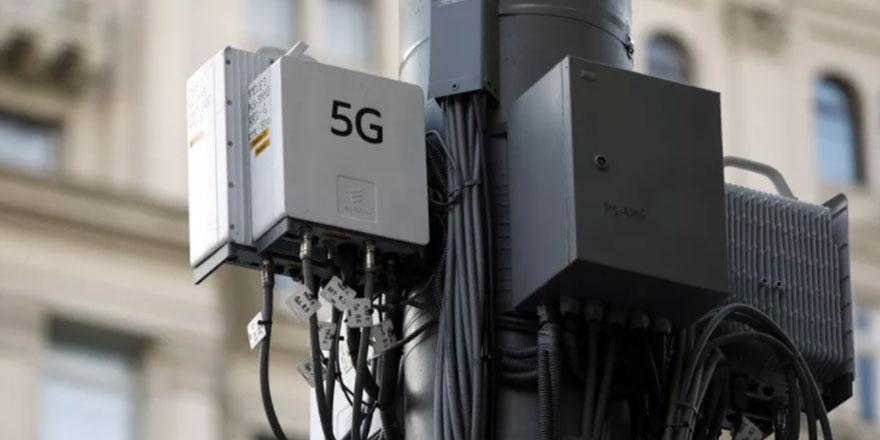 5G, virüs yayıyor söylentisi sonrası telefon direklerini ateşe verdiler