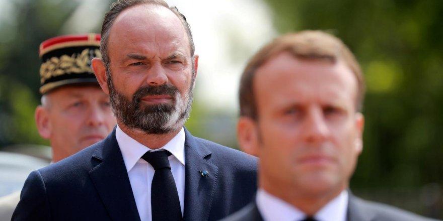 Fransa Başbakanı istifa etti!