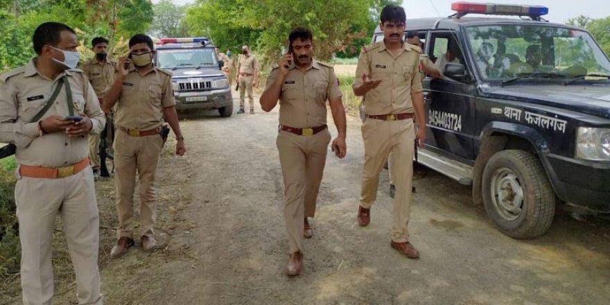 Hindistan polisi pusuya düştü: 8 ölü