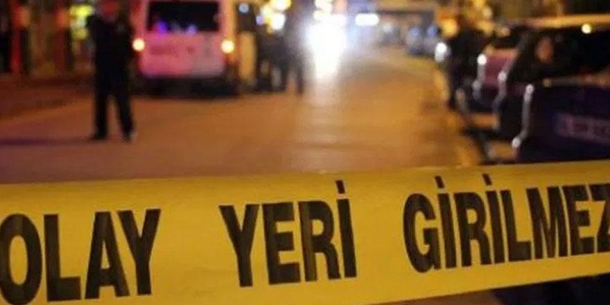 Sokakta yürüyen kişilerin üzerine ateş açıldı: Ölü ve yaralılar var