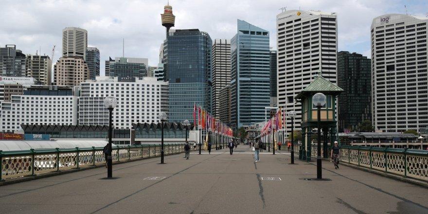 Melbourne yeniden karantinaya alınıyor