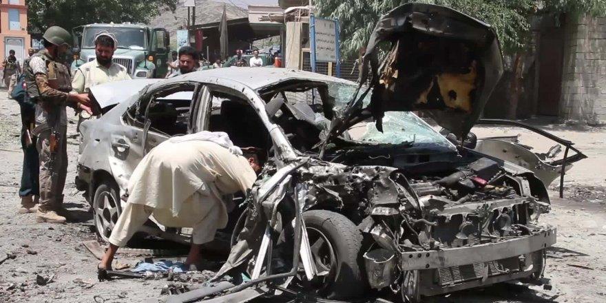 Taliban'dan askeri üsse bombalı araç saldırısı