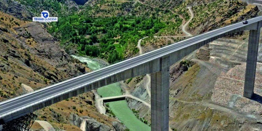 Türkiye'nin en büyük köprüsü açıldı