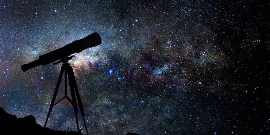 Uzayın derinliklerindeki bir güneş sistemi ilk kez teleskopla gözlendi