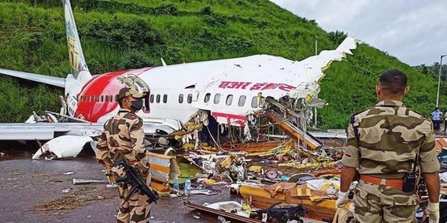 Hindistan'da uçak kazası: 191 kişilik uçakta en az 17 ölü var