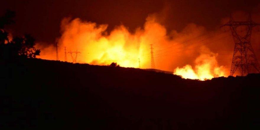 İzmir Çeşme'de yangın! 4 site boşaltıldı