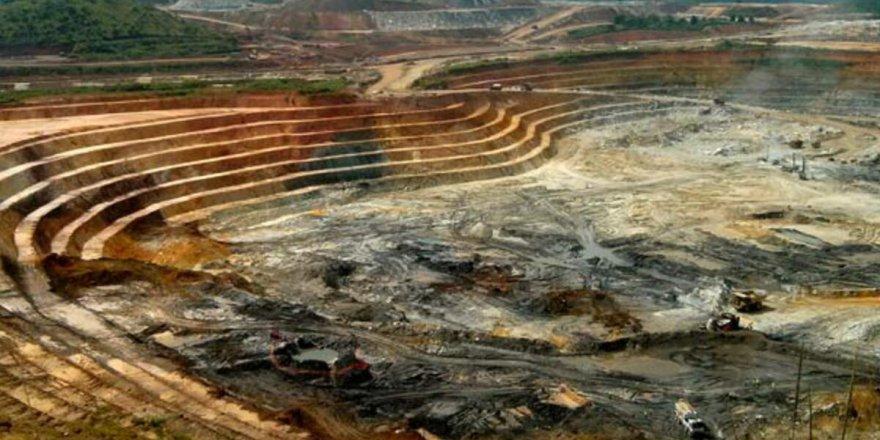 Maden çöktü; en az 50 kişi hayatını kaybetti