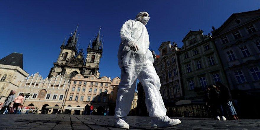Koronavirüs Çekya'da istifa getirdi: Sağlık bakanı görevi bıraktı