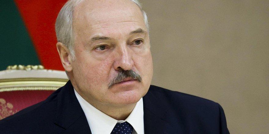 Lukaşenko, gizli yemin töreniyle göreve başladı