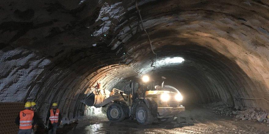 Kop Tüneli inşaatında patlama: 11 yaralı