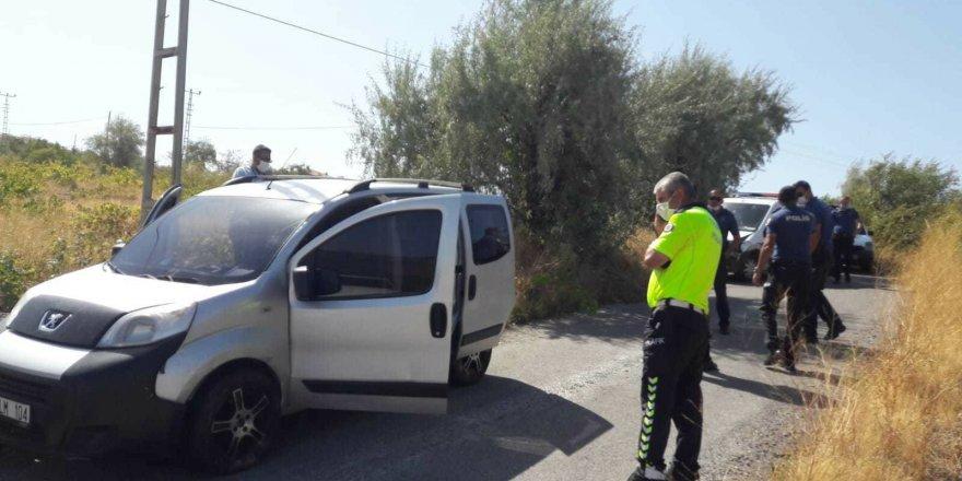 Babasının aracını kaçırdı, Polis aracına çarpınca yakalandı