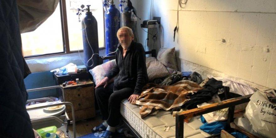 74 yaşındaki KOAH hastası torbacı çıktı.