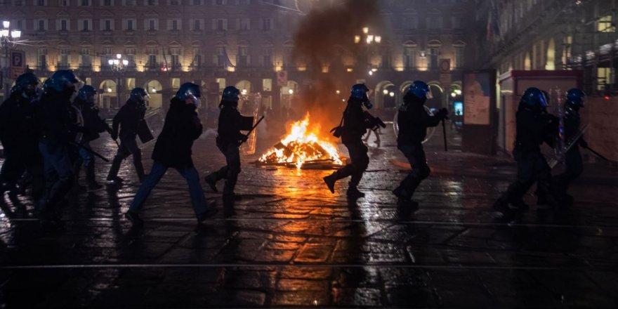 Roma'da salgın tedbirlerine yönelik protestoya polis müdahalesi