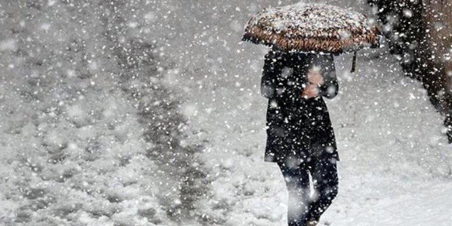 Meteoroloji'den önemli uyarı: Dolu, sel ve hortum geliyor!