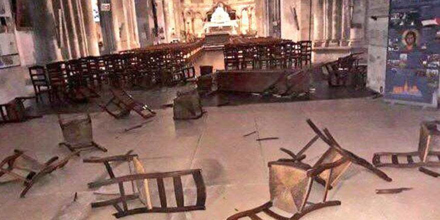 Fransa'da Notre Dame kilisesinde bıçaklı saldırı: 2 ölü