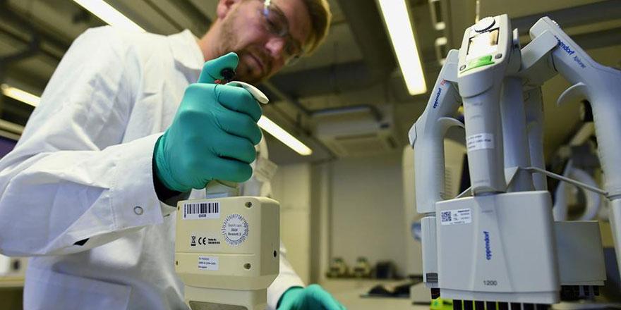 Alman virolog: 2021'in sonuna kadar herkesi aşılamak mümkün değil