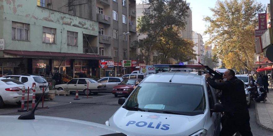 Otelde çıkan çatışmada 1 polis hayatını kaybetti