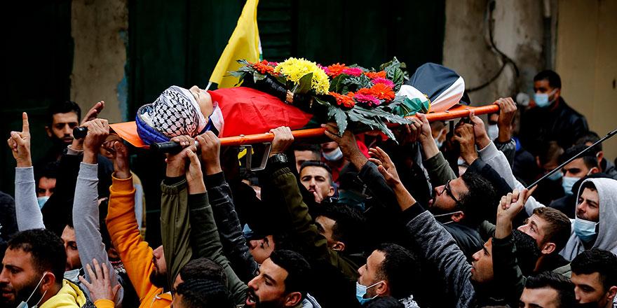 Yahudi ordusunun Ramallah'ta katlettiği küçük çocuk defnedildi