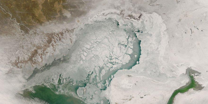 Hazar'da sıradışı buz oluşumu gözlendi