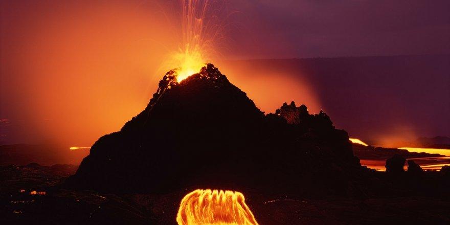 Kilauea Yanardağı yeniden faaliyete geçti