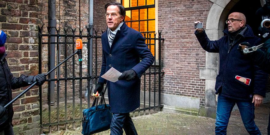 Hollanda, hükümetin istifa kararı ile çalkalanıyor