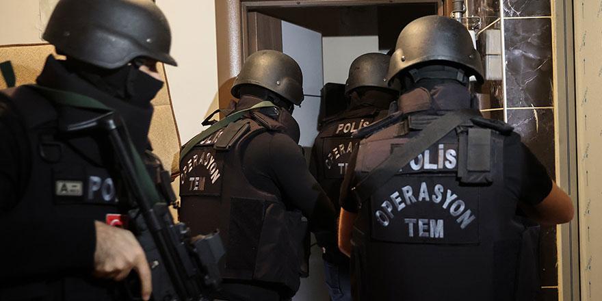 Antalya'da kocası cezaevinde olan kadının evine gerekçesiz polis baskını!
