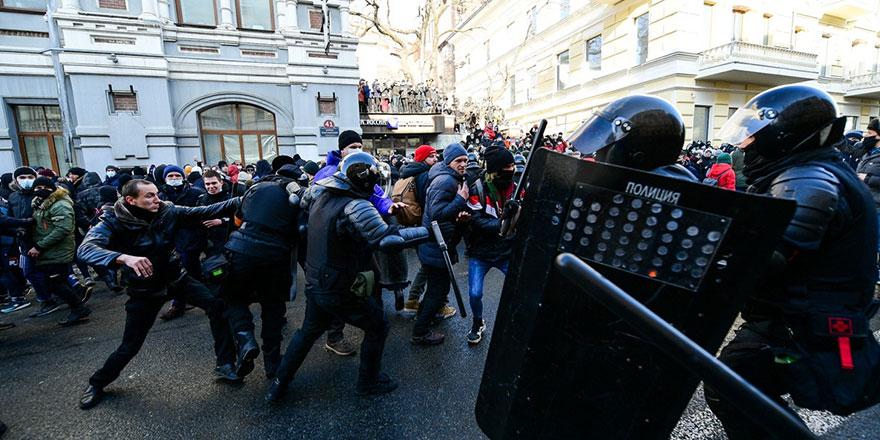 Navalny'nin çağrısı sonrası Rusya  sokakları karıştı