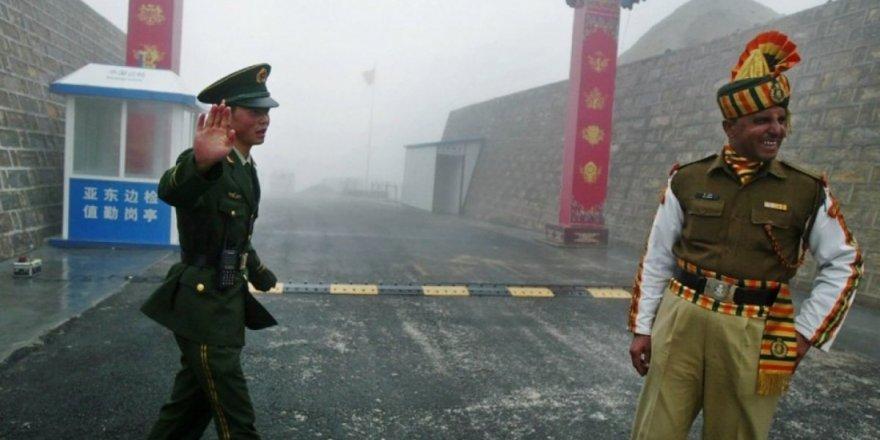 Çin ile Hindistan sınırında çatışma: 'Yaralılar var'