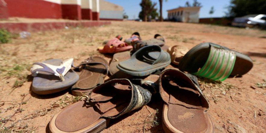 Nijerya'da silahlı kişiler yüzlerce kız öğrenciyi kaçırdı