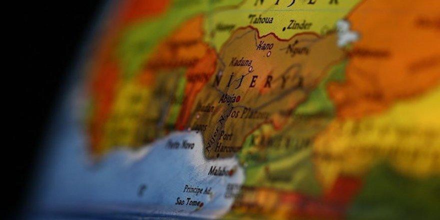 Nijerya'da silahlı kişilerce kaçırılan yüzlerce kız öğrenci, serbest bırakıldı