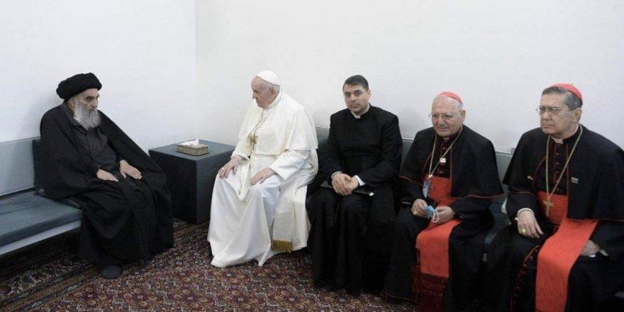 Papa, Şiilerin en büyük dini mercisi Sistani ile buluştu