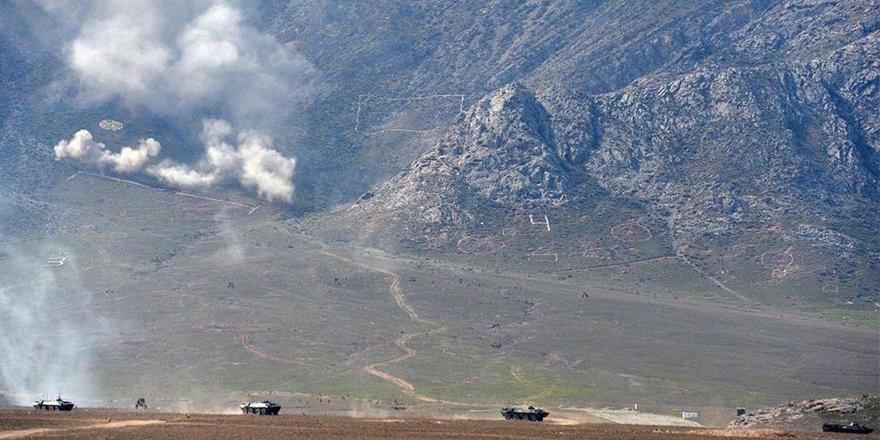 Kırgızistan - Tacikistan sınırında çatışma:10 bin kişi tahliye edildi