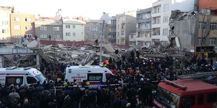 İstanbul Zeytinburnu'nda bina çöktü