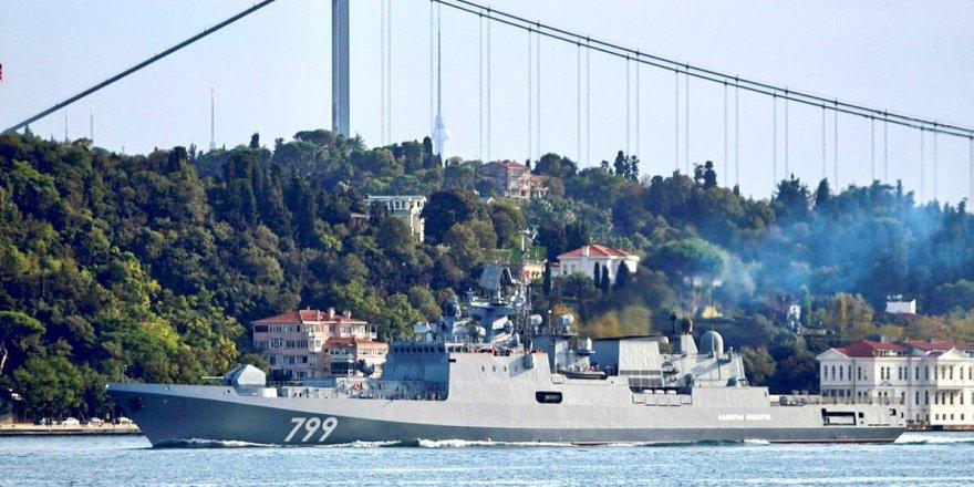 Rus ve İngiliz savaş gemileri Karadeniz'de