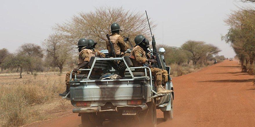 Afrika ülkesi Burkina Faso'da silahlı saldırı: En az 100 kişi öldürüldü