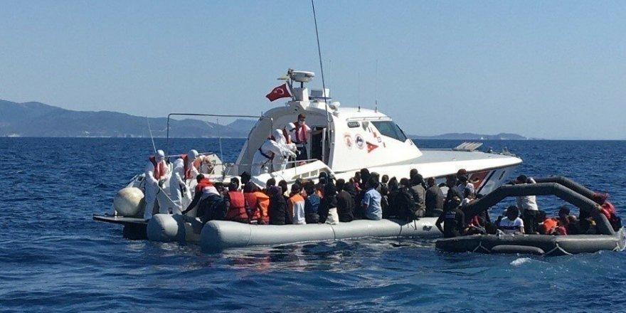 Yunanistan'ın ölüme terk ettiği 29 göçmen kurtarıldı
