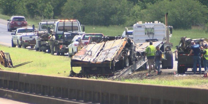 ABD'de 18 aracın karıştığı kazada, 9'u çocuk 10 ölü