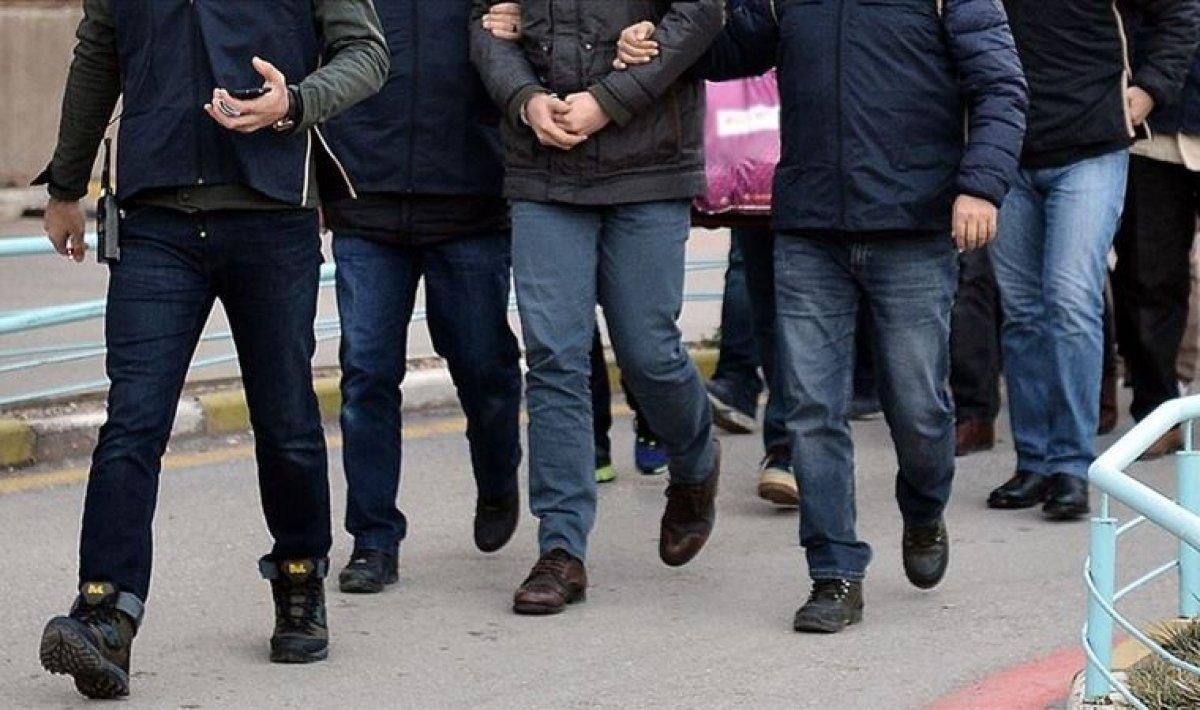 İzmir'de FETÖ operasyonu: 132 kişiye gözaltı kararı