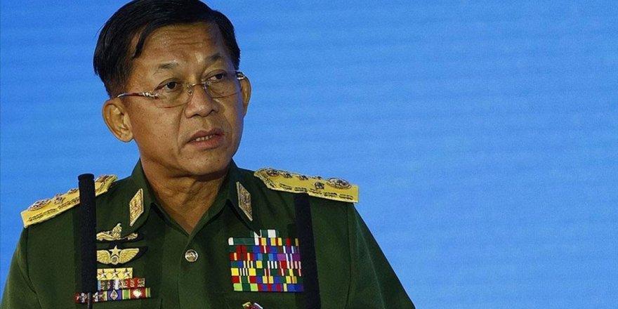 Myanmar ordusu, Içislerine Karisan Ülkeleri Elestirdi