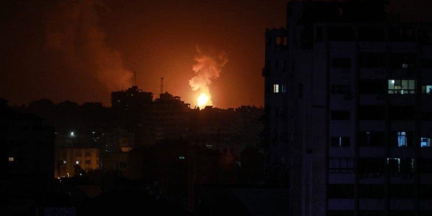 İsrail ordusu, Gazze Şeridi'ne hava saldırısı düzenledi